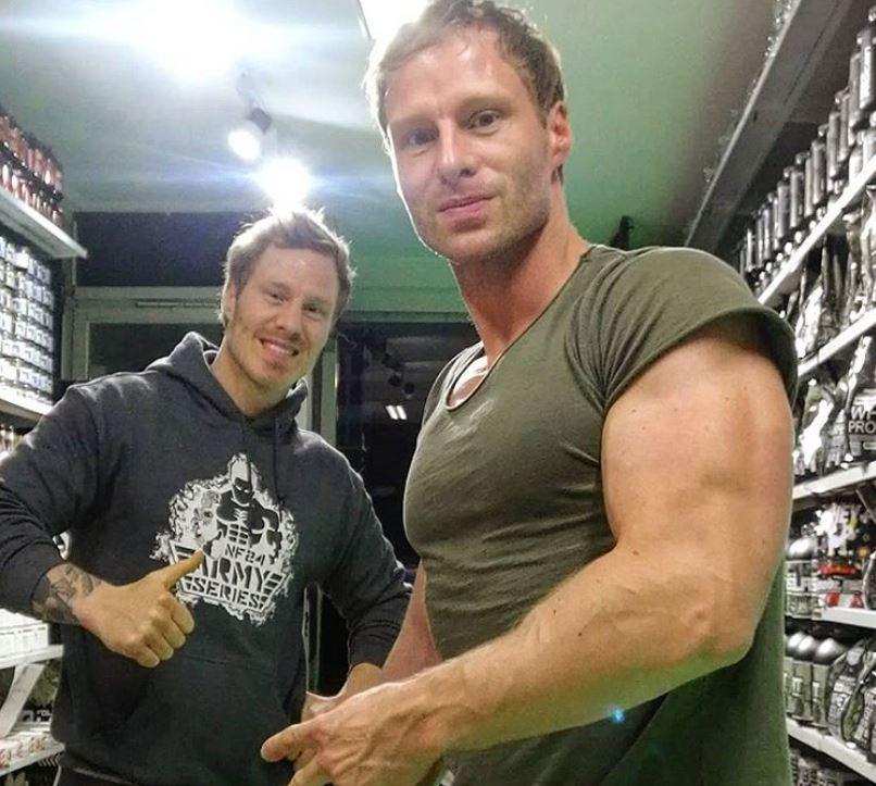 fitness model zwillinge